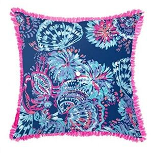 Lilly Pulitzer//Indoor Outdoor decorative pillows